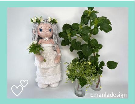 Hækleopskrift på en dukke brud på ca. 43 cm i lang hvid kjole med brudebuket og blomsterkrans af anemoner